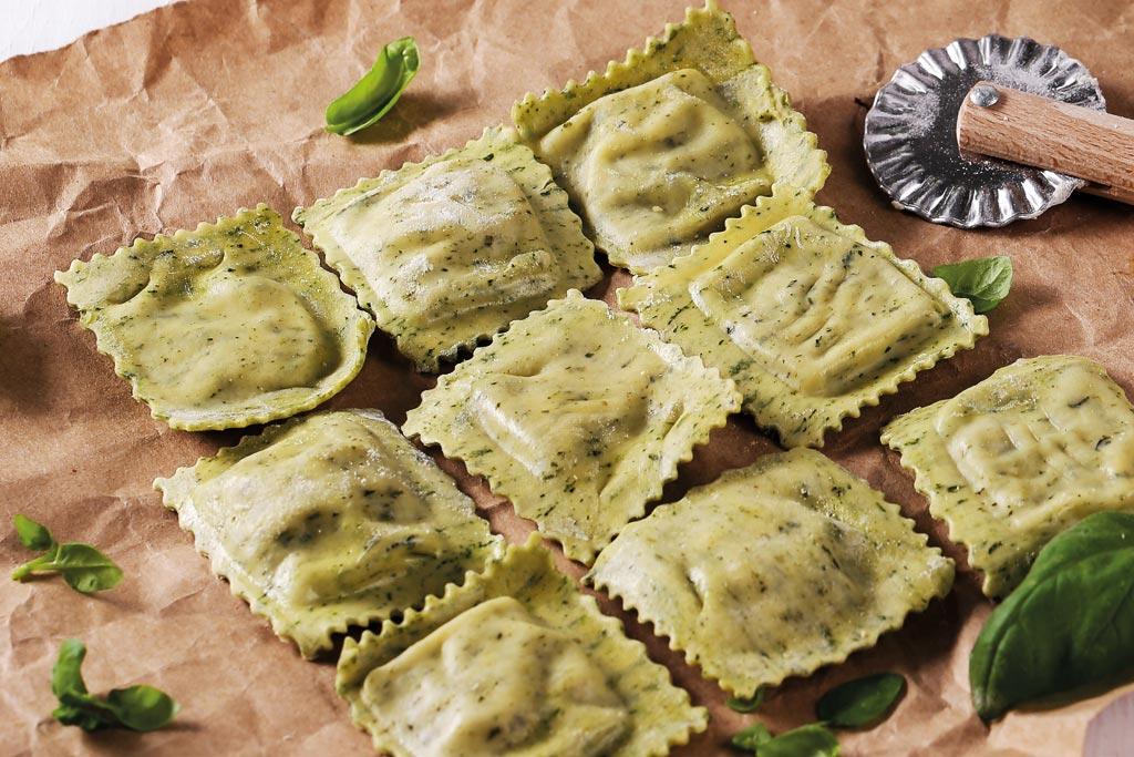 Le-Madri-Eccellenza-e-Prestigio_ravioli-spinaci-crema-tartufox2